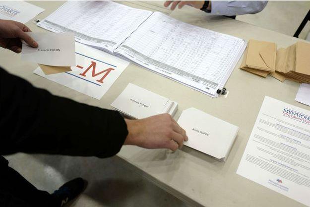 Un bureau de vote à Lille.