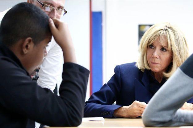 Brigitte Macron jeudi au collège des Petits Ponts à Clamart.