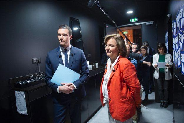 Jordan Bardella et Nathalie Loiseau dans les coulisses d'un débat sur BFMTV, le 15 mai.