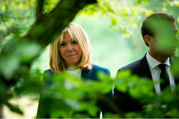 Emmanuel et Brigitte Macron le 31 mai lors de la visite du château de Ferney-Voltaire, dans l'Ain.
