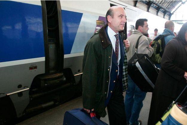Alain Juppé en 2006 dans la gare de Bordeaux.