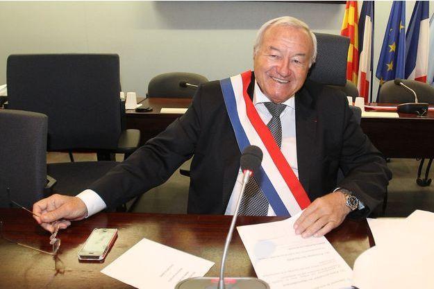 Bernard Brochand, ancien maire de Cannes, a été cité par la Haute autorité pour la transparence de la vie publique.
