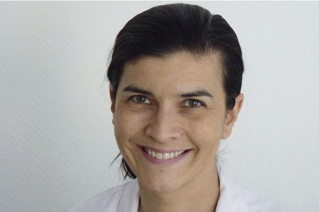 Le Dr Christine Rodriguez-Régent, neuroradiologue interventionnel au CHU Sainte-Anne, à Paris.