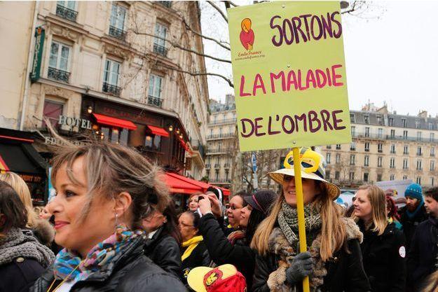 Mars 2016 à Paris, la troisième édition de la Marche mondiale contre l'endométriose.