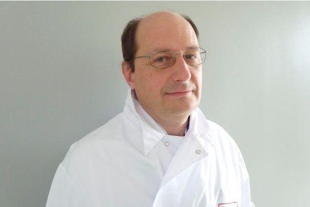 Le Dr. Xavier Thomas