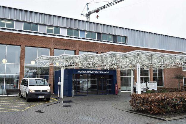 Au Danemark, le virus a été décelé sur un jeune homme ayant voyagé en Amérique du Sud et centrale, a annoncé l'hôpital d'Aarhus.