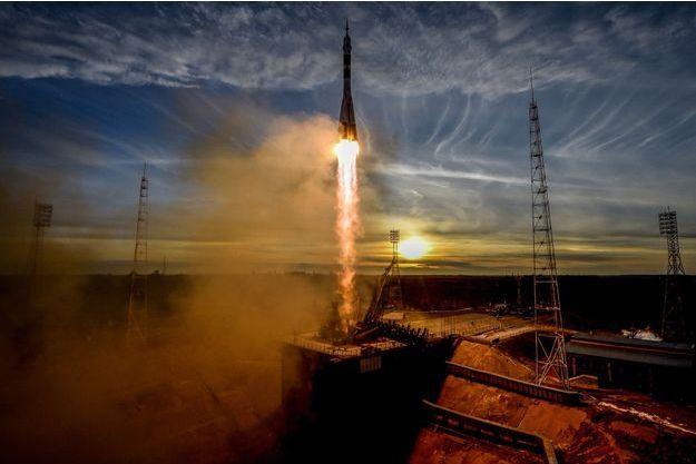 Décollage d'une fusée Soyouz.