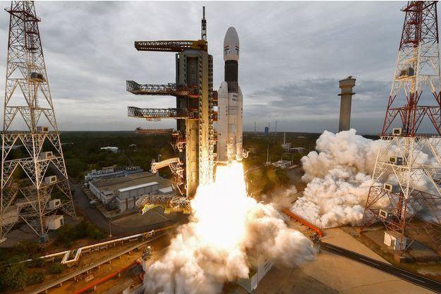 Le 22 juillet 2019, la sonde a décollé sur le pas de tir de Sriharikota.