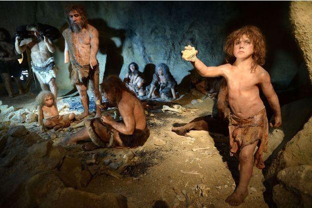 Mise en scène d'un groupe de Néandertal.