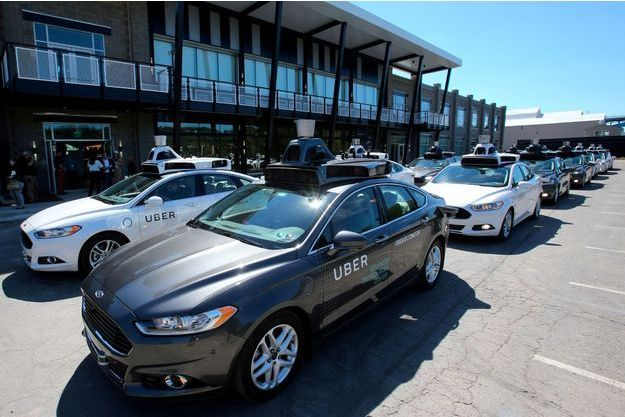 Des véhicules autonomes de Uber à Pittsburgh, en Pennsyvlanie, en septembre 2016. (Photo d'illustration)