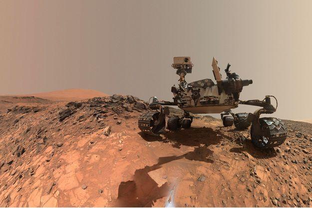 Le robot Curiosity sur Mars.