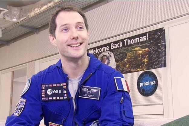 Thomas Pesquet, tout sourire un jour après son atterrissage.