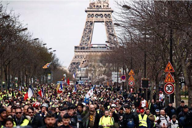 Les gilets jaunes à Paris le 2 mars.