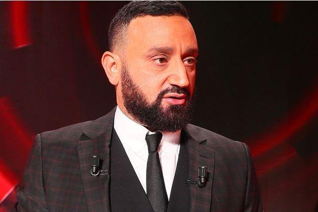 """Cyril Hanouna lors du tournage du """"grand débat national"""" sur le plateau de """"Balance ton post""""."""