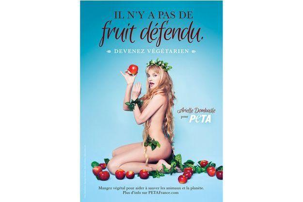 Arielle Dombasle pose pour PETA.