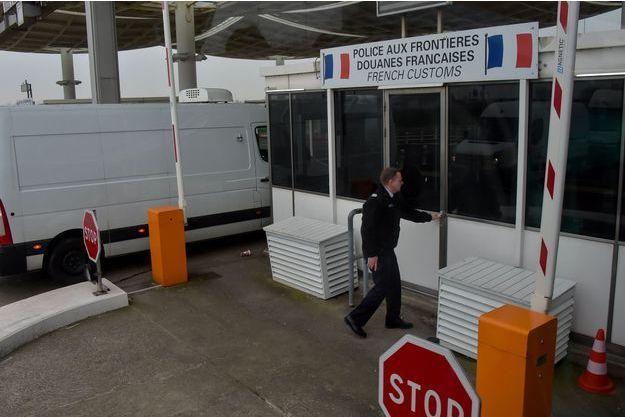 Les douanes à Calais.