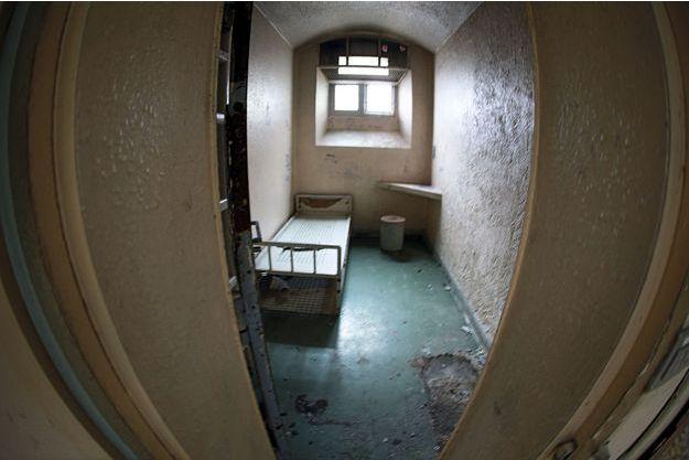 Une cellule de haute sécurité à la prison de la Santé avant les travaux qui se prolongeront au moins jusqu'en 2018.