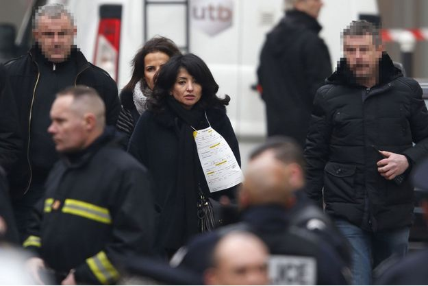 """Jeannette Bougrab mercredi, près de la rédaction de """"Charlie Hebdo""""."""
