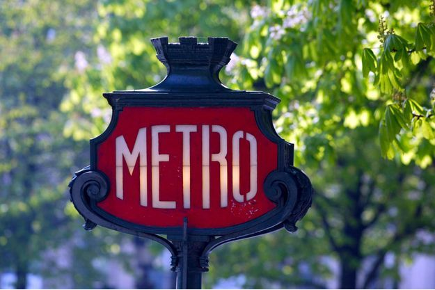 La RATP va rebaptiser des stations de métro pour célébrer la victoire de l'équipe de France en coupe du monde de football.