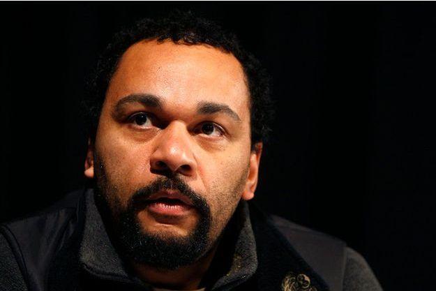 Personnage sulfureux depuis les années 2000, il propose un nouveau spectacle par an, part en tournée dans toute la France et fait salle comble au théâtre parisien de la Main d'or, dont il est locataire et gère la programmation.
