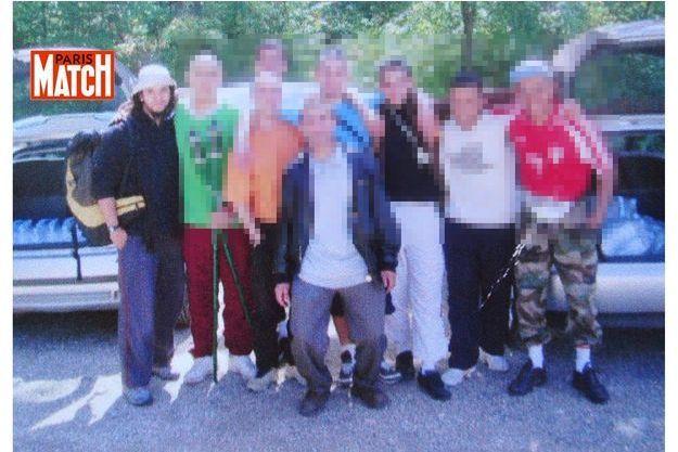 Yassin Salhi (à gauche) et des amis, en 2008.