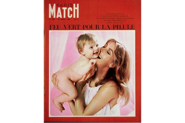 Feu vert pour la pilule, la couverture de Paris Match en 1966.