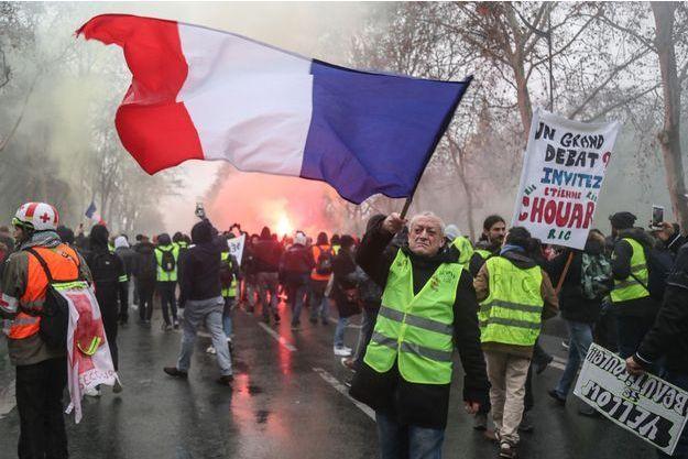 """Des """"gilets jaunes"""" à Paris samedi."""