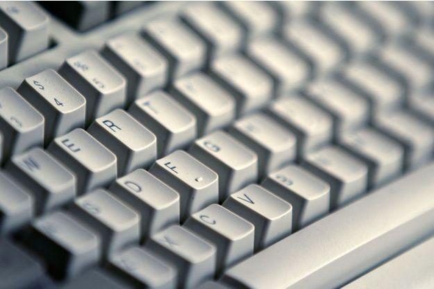 Il prétendait détenir des vidéos compromettantes : un Français arrêté pour cyberescroquerie