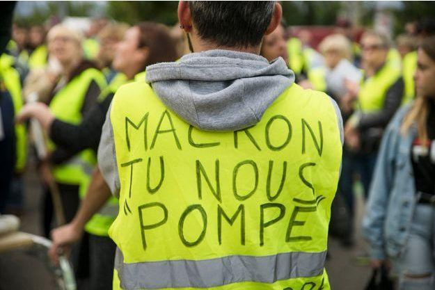 "Manifestation des ""gilets jaunes"" à Narbonne."