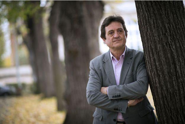 Gilles Poux, le maire de la Courneuve.