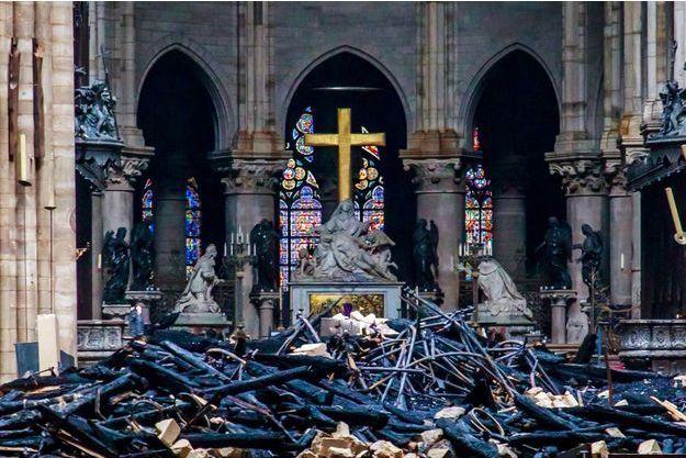 A l'intérieur de Notre-Dame.