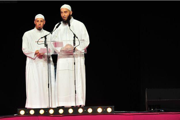 Samedi 12 septembre, Mehdi Kabir, de Villiers-sur-Marne (à g.), et Nader Abou Anas, imam au Bourget, s'expriment sur le statut de la femme dans l'islam.