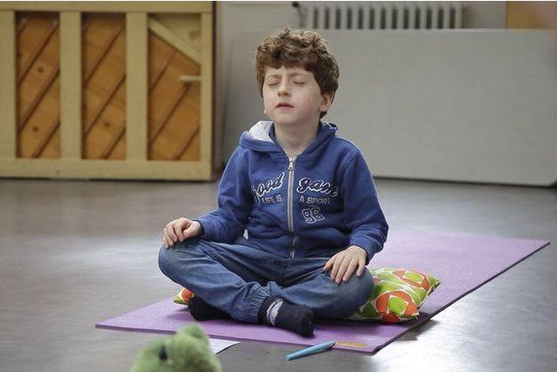 Sacha, 6 ans, médite tous les jours depuis deux ans.