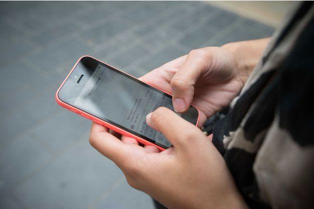 A minuit, SFR a constaté que 27 600 SMS étaient envoyés chaque seconde. (Image d'illustration)