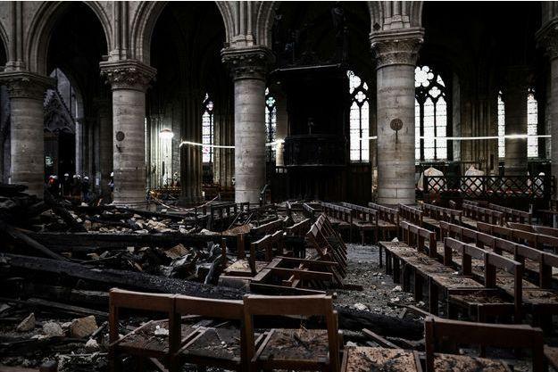 La cathédrale Notre-Dame après l'incendie.