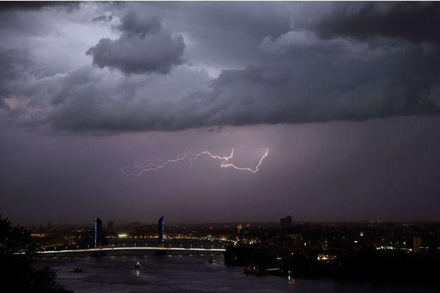 Un orage à Bordea. Image d'illustration.