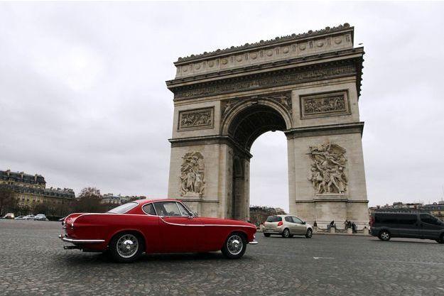 Paris: davantage de véhicules interdits de rouler pendant les pics de pollution