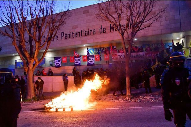 """Manifestations devant la prison """"Les Baumettes"""" à Marseille, le 18 janvier 2018"""