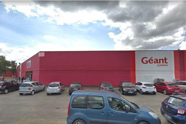 L'hypermarché Casino La Roseraie à Angers.