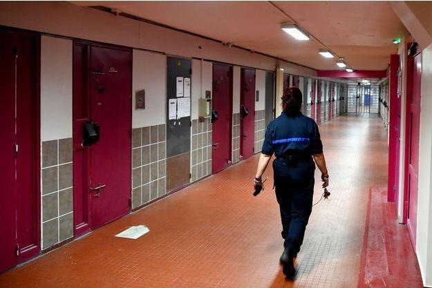 Dans les couloirs de la prison de Grenoble-Varces.