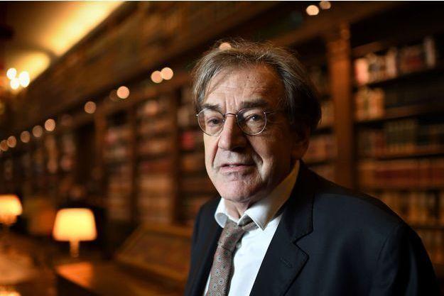 Un gilet jaune jugé pour injures antisémites envers Finkielkraut