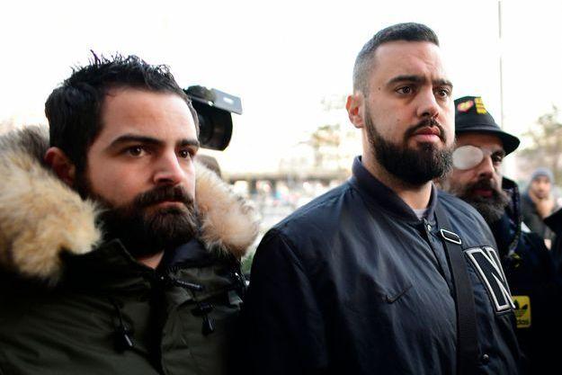 Eric Drouet (à droite) à son arrivée au tribunal.