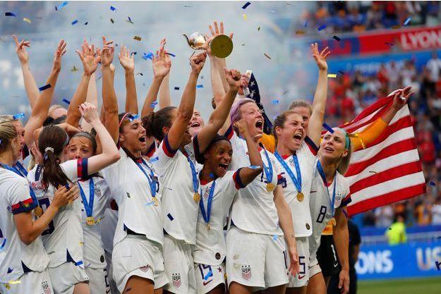 L'équipe des Etats-Unis exulte après la victoire en finale de la Coupe du Monde.