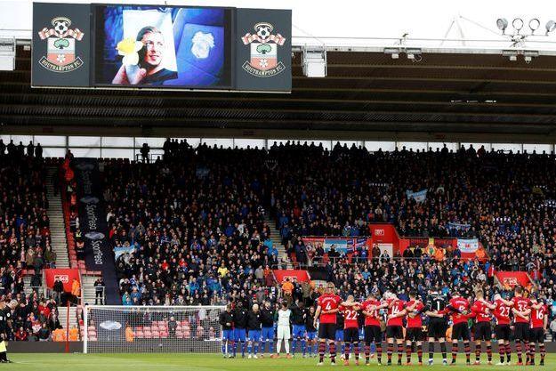 Ici, un hommage à Emiliano Sala lors de la rencontre Southampton- Cardiff samedi.