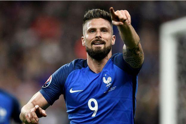 Olivier Giroud a inscrit un doublé face à l'Islande