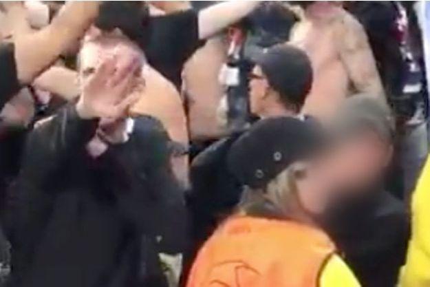 Le supporter de l'OL a été filmé en train de faire un salut nazi.