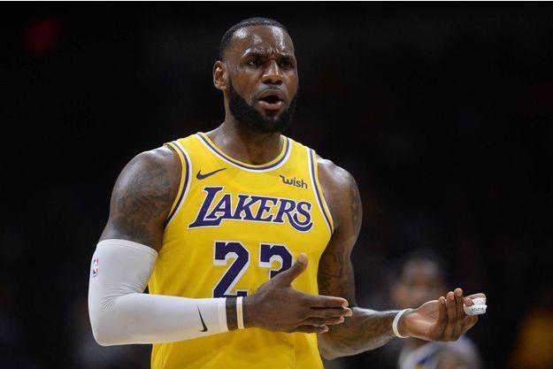 2e9810e1 LeBron James, ses premiers paniers sous le maillot des Lakers