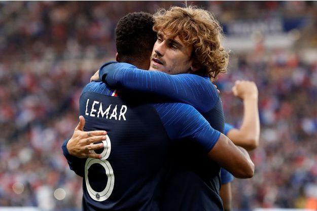 Thomas Lemar et Antoine Griezmann, les deux buteurs tricolores du soir.