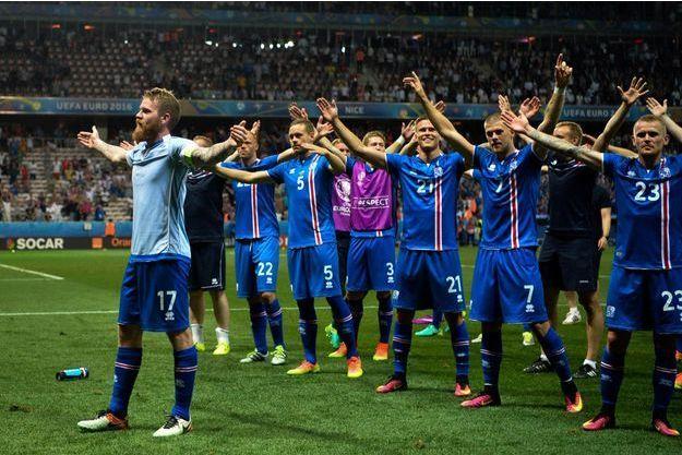 Les Islandais ont communié avec leurs supporters