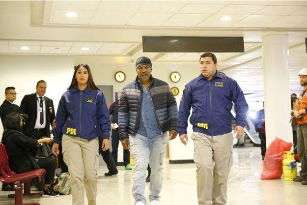 Mike Tyson a été refoulé à son arrivée à l'aéroport de Santiago du Chili.